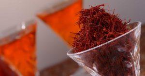 چرا عصاره زعفران سراج گران است3